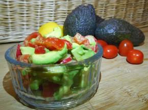 Super quick tangy avocadosalsa