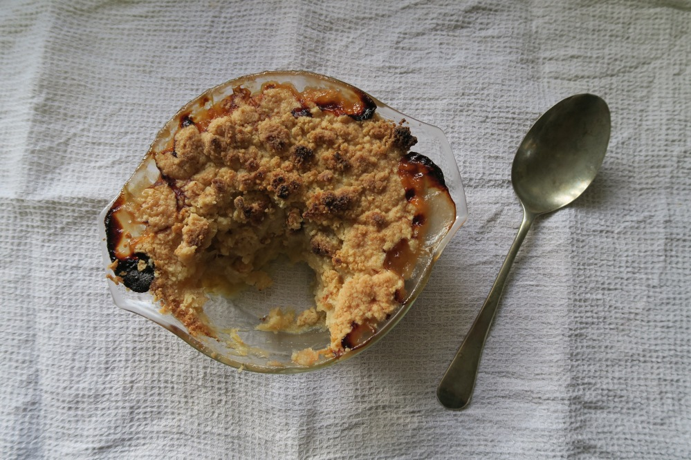 gluten free rhubarb crumble credit The Gluten Free Blogger 530